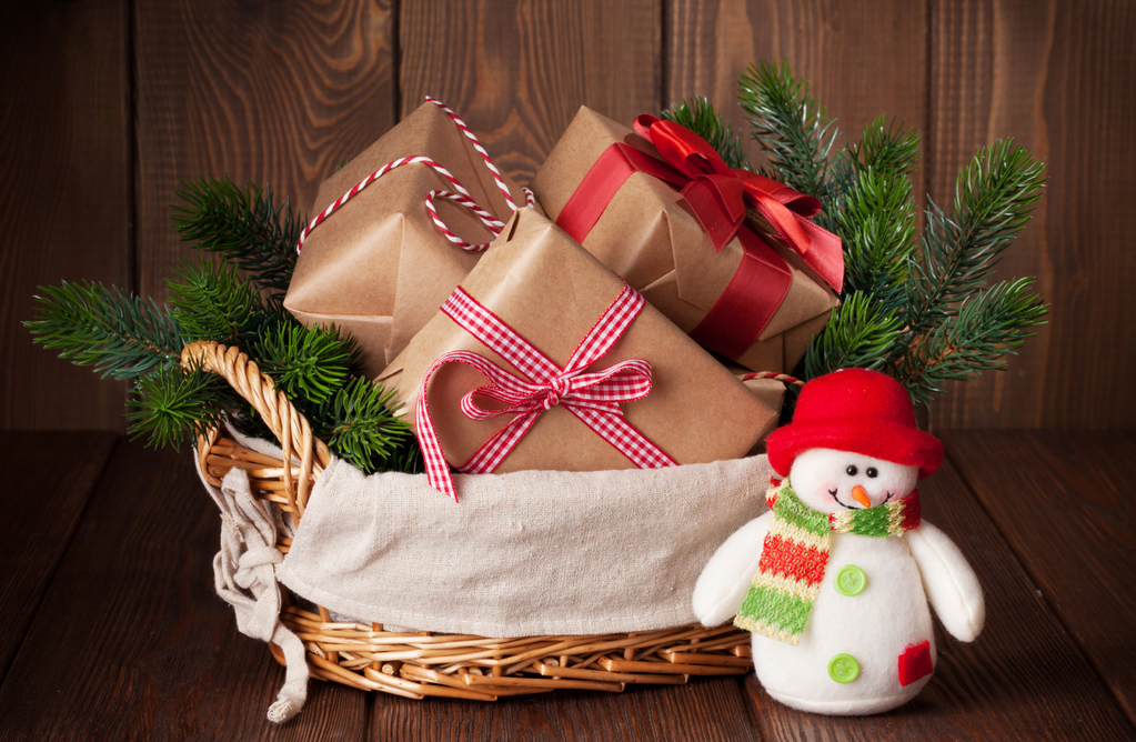 HCreative Ways to Reuse Your Christmas Basket